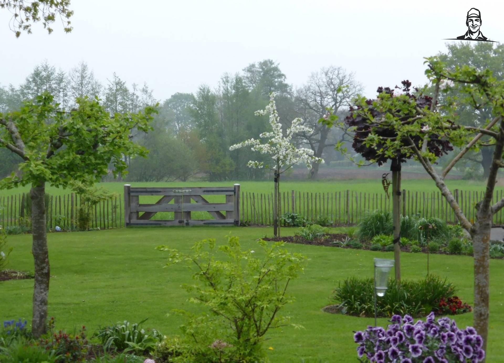 De tuin overlopend in het landschap #landschapspracht  van Nieuwsgrazer